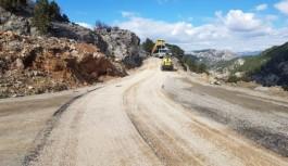 Alanya belediyesi Koç davut yolunu asfaltladı