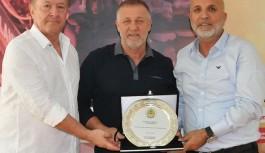 Alanyaspor'da Bakkal plaketle uğurlandı