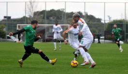 Alanyaspor, Sakaryaspor'u 3-1 Mağlup Etti