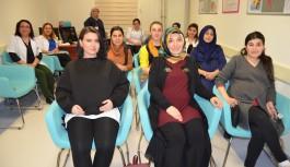 Gebe okulu öğrencileri kadınlar gününde unutulmadı