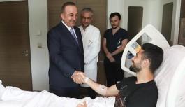 Bakan Çavuşoğlu, Emre'yi ziyaret etti