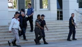 Şikayetçi Olduğu 4 Kişiden 3'ü Tutuklandı