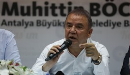 Muhtar dostu Antalya büyükşehir belediye başkanı Muhittin Böcek...
