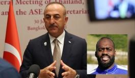 Çavuşoğlu Yeni Malatyaspor kalecisine yapılan ırkçı saldırıyı kınadı