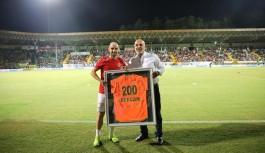 Efecan'ın  200'üncü maçı