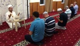 Camilerde Mehmetçiğin zaferi için dua edildi