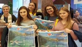Polonyalı gençler, Alanya eğlence dünyasını sordu!
