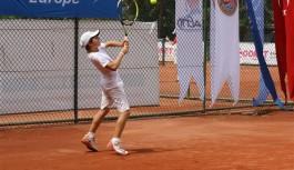 Tenisciler Alanya'da buluşuyor