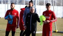 Yabancı futbolculara yurt dışı yasağı getirildi
