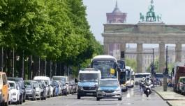 Flaş haber: Almanya'da turizmciler sokaklara indi