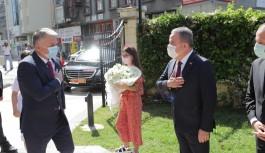 Antalya'nın yeni valisinin ilk talimatı: Bağış yapın!