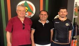 Trabzonsporlu taraftar Alanyaspor forması aldı!