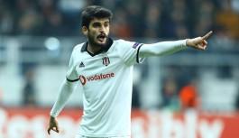 Beşiktaşlı Fatih Aksoy Alanyaspor'a transfer oldu.