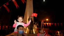 Alanya'da Cumhuriyet kutlaması sokaklara taştı!