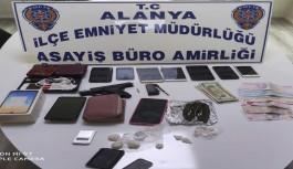 Alanya'da uyuşturucu ticaretinde kan aktı! Taraflar birbirlerine silah çekti!