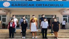 CHP'li gençlerden öğrencilere kitap!