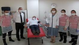 Koronavirüsü yenen Başkan Yücel, immün plazma bağışında bulundu
