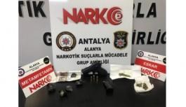 Alanya'da uyuşturucuya karşı mücadele sürüyor!
