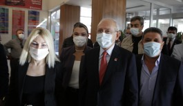 Kılıçdaroğlu, Başkan Böcek'i hastanede ziyaret etti