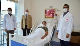 Alanya'da bir ilk. Hastanın ağız içinden alınan doku idrar yoluna nakledildi!