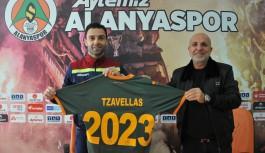 Alanyaspor Yunanlı stoper Tzavellas ile sözleşmeyi yeniledi