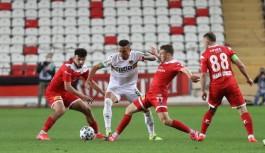 Alanyaspor, Antalyaspor'a yenildi