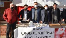 CHP Şehitler için helva dağıttı