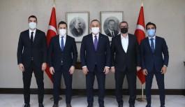 Alanyaspordan Bakan Çavuşoğlu'na ziyaret