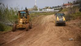 Batı ve doğu kırsalında yollar açılıyor