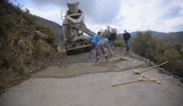 Yollar betonlanıyor