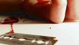 Alanya'da bunalıma giren Iraklı bileğini kesti