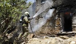 Silifke ve Gazipaşa'da yangınlara müdahale devam ediyor