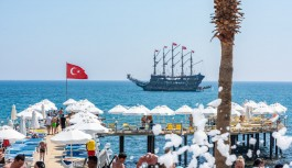 Her iki Rus turistten birinin adresi Türkiye oldu