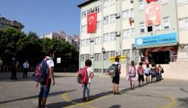 Alanya'da 60 bin öğrenci okula başlayacak