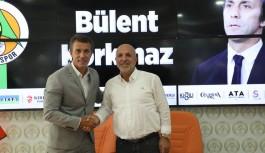 Alanyaspor'un yeni teknik patronu Bülent Korkmaz!