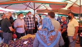 Başkan Yücel, pazar esnafını bilgilendirdi