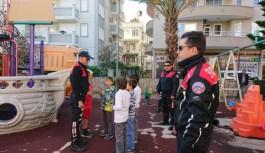 Alanya'da Polisten Çakmak Gazı ve Uyuşturucu Denetimi