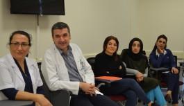 Sağlık personeli işaret dili eğitiminde