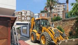 Alanya belediyesi kaçak yapıları yıkıyor!