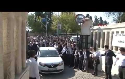 Arif Ahmet Denizolgun'u onbinler uğurladı