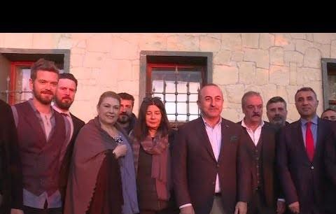 """Çavuşoğlu'ndan """"Yüzleşme"""" setine sürpriz ziyaret!"""