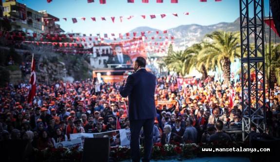 Çavuşoğlu: Alanya'da çamur atarak siyaset yapıyorlar!