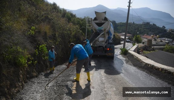 Alanya belediyesinden beton yola devam