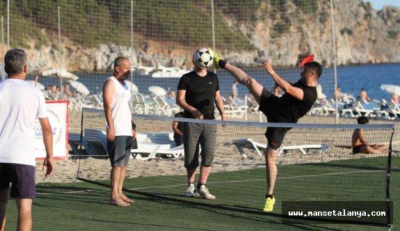 Türkiye'nin ilk ayak tenisi şampiyonası Alanya da yapıldı!
