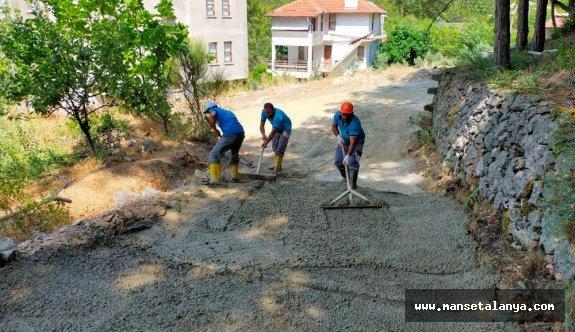 Yollara beton dökülüyor!