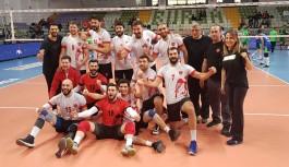 Alanya belediyespor voleybol takımı, 1.ligde fırtına gibi rakiplerini dize getiriyor