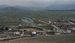 Alanya Bademağacı köyünde yamaç paraşütü!
