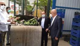 Vekil Subaşı; 20 kuruşa satılamayan salatalık büyük mağazalarda 5 lira