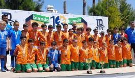 Alanyaspor U10 takımı şampiyon oldu